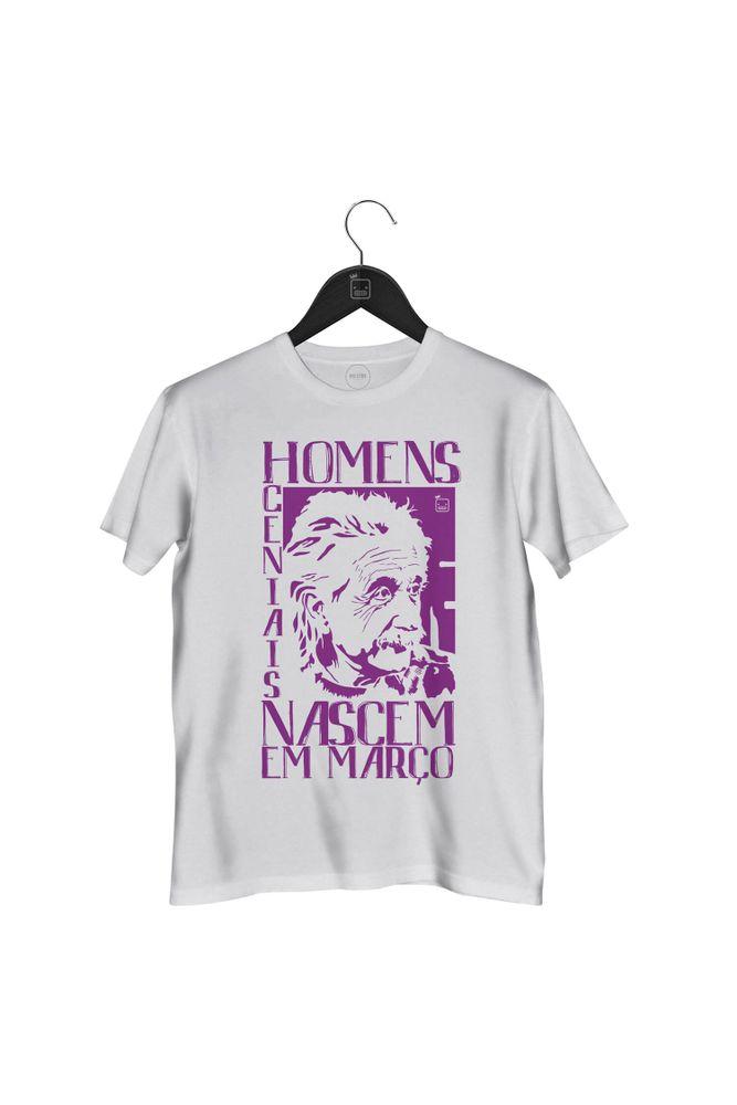 Camiseta-Homens-Geniais-Nascem-Em-Marco-masculina-branca