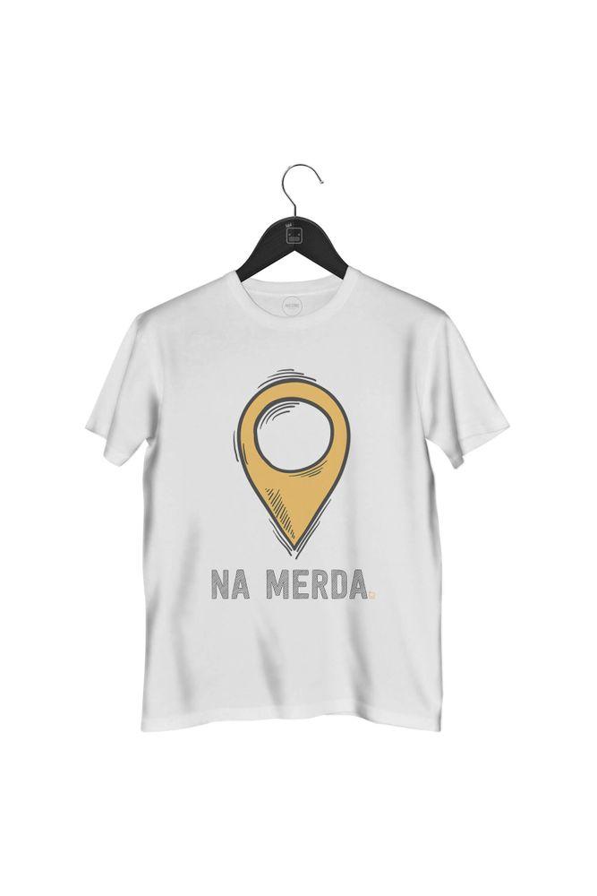 camiseta-localizacao-na-merda-masculina-branca